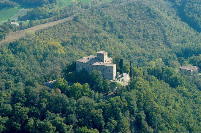 vista dall'alto del castello di Bianello