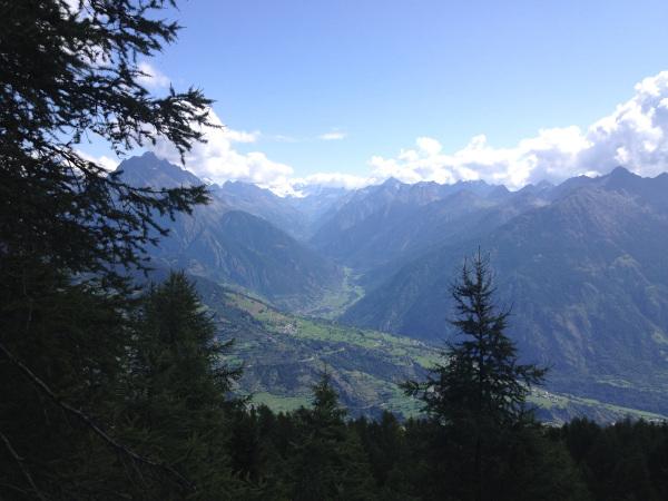 panorama con montagne della Valle D'Aosta