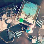 libri natalizi e decorazioni fai da te con presepe di feltro