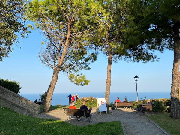 Marche: Fiorenzuola di Focara in camper